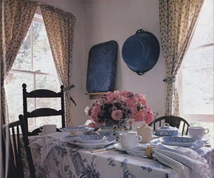 mixed pattern - blue and white country table setting from laurel leaf farm via Atticmag