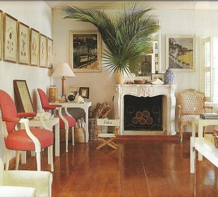 Living room at Hibiscus Hill, home of India Hicks in the Bahamas - Array via Atticmag