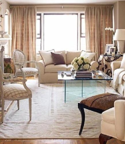 dhurries - Monochromatic living room by New York designer Jonathan Rosen - House Beautiful via Atticmag