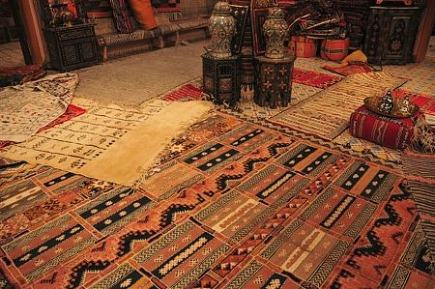 rugs in morocco - kilim made into a tent cushion - Atticmag