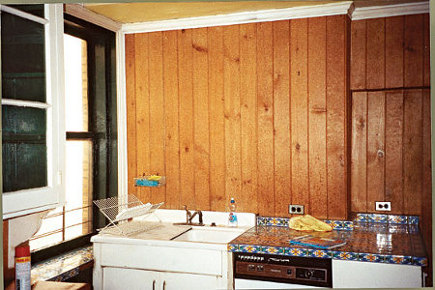 Delft tile - Howard Slatkin's NYC Delft tile apartment kitchen before renovation - NY Mag via Atticmag