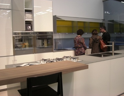 kitchen cabinet features - valcucine glass lighted cabinets - Atticmag