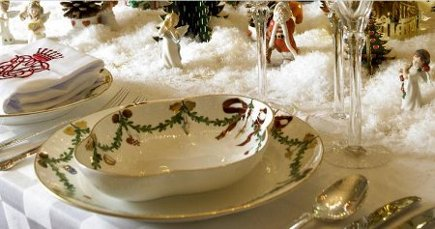 detail of the Valdemar's Castle Christmas table at Royal Copenhagen 2008