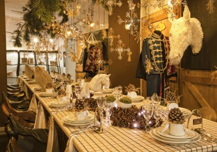 Royal Copenhagen Christmas 2010 - Royal Stables Christmas table - Royal Copenhagen via Atticmag