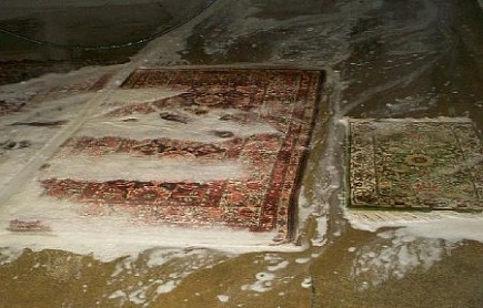 rug cleaning - oriental rugs lathed while being cleaned - Atticmag