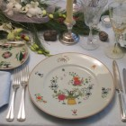 limoges china - Ceralene Panier chinois china used on a vintage holiday table setting - Atticmag