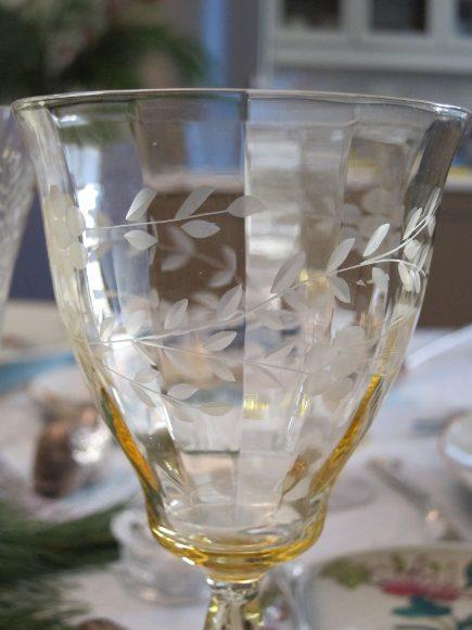 vintage limoges - Depression glass vaseline wine goblets - Atticmag