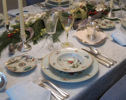 vintage limoges Ceraline Panier Chinois table setting with rimmed soup bowls 7-piece silver place setting - Atticmag