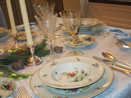 Ceraline's vintage Limoges Panier Chinois dishes, Bucellati Milano silver and stemware - Atticmag