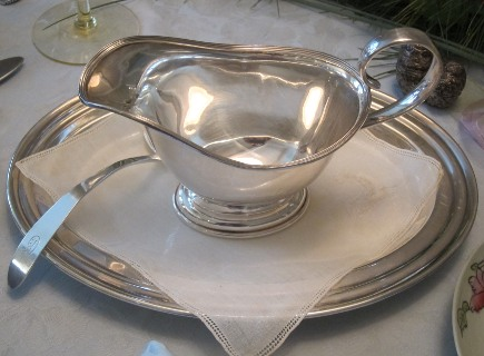 vintage limoges - silver sauce boat, tray and ladle with vintage voile napkin - Atticmag