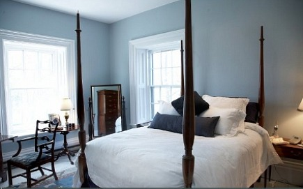 stone mansion - pale blue bedroom with antique four-poster bed in Canada's historic Maus Park outside Toronto - mauspark via atticmag