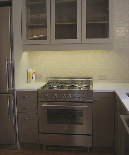 new kitchen - Budget kitchen renovation in NY apartment with Bertazzoni gas stove - Atticmag