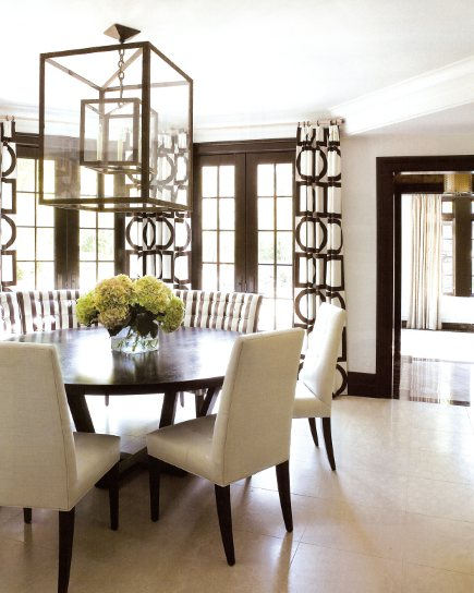 mid century dining room with java and ivory scheme, lanterns and loop pattern draperies - New York Spaces via Atticmag