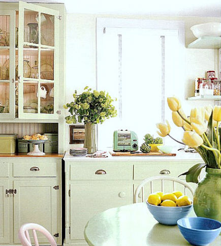 green retro cottage kitchen - Country Living via Atticmag