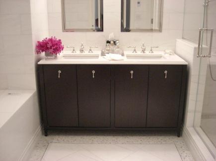 marble bathroom floors - white polished tile show house bathroom floor with variegated marble mosaic border - Atticmag