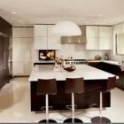 Gcelebrity kitchens - Giada De Laurentiis' contemporary kitchen - AD via Atticmag