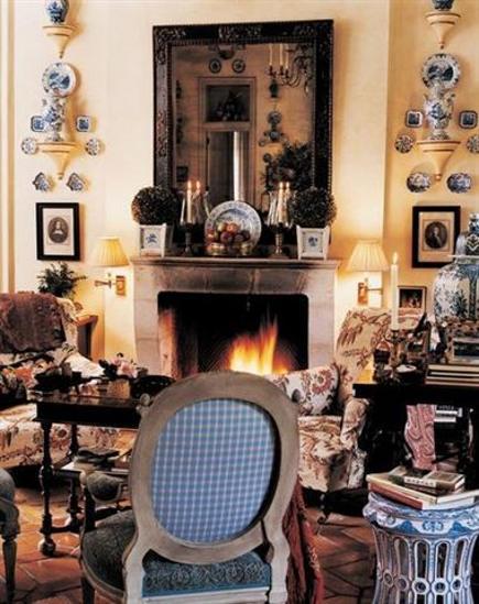 garden seat - David Easton's sitting room at Balderbrae - Doyle Auctions via Atticmag