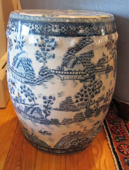 my blue and white Chinese export garden seat with Delft style design - Atticmag