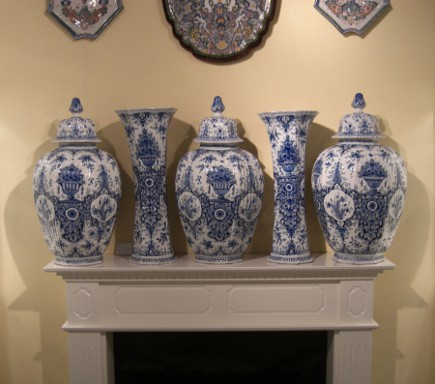 Set of blue and white Delft fireplace mantel garniture - Aronson of Amsterdam via Atticmag
