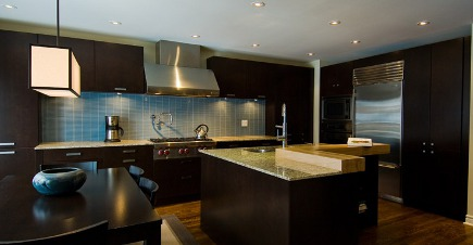 Dark Kitchen Cabinets Java Wood In Lar Kinyan Via Atticmag