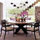 dining room style - glass wall modern dining room - Met Home via Atticmag