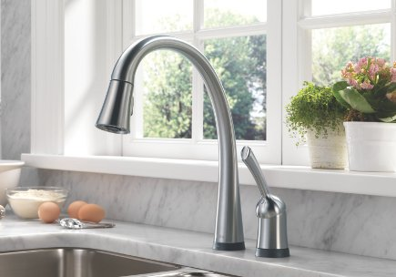 top kitchen faucets - Delta Pillar Touch electronic pull-down faucet - Delta via Atticmag
