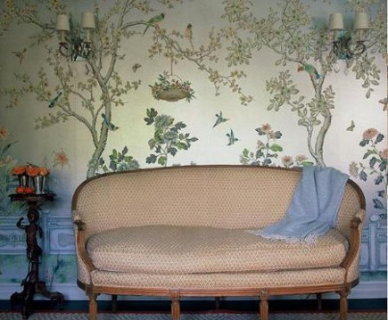 floral walls - Ruthie Sommers vignette with chinoiserie wallpaper and Louis XVI settee - via Atticmag