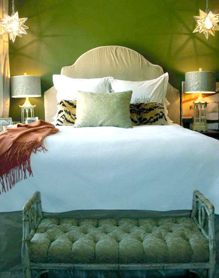 shaped headboards - beige slipcovered headboard with ogee curves by Megan Yager via Atticmag