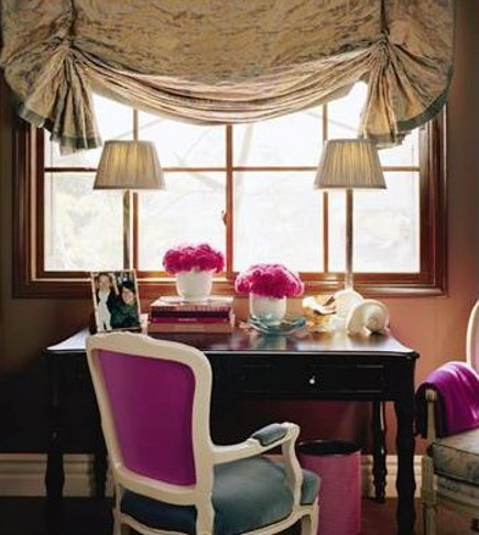 Writing alcove with fuchsia upholstery accents by Joe Nye via Atticmag
