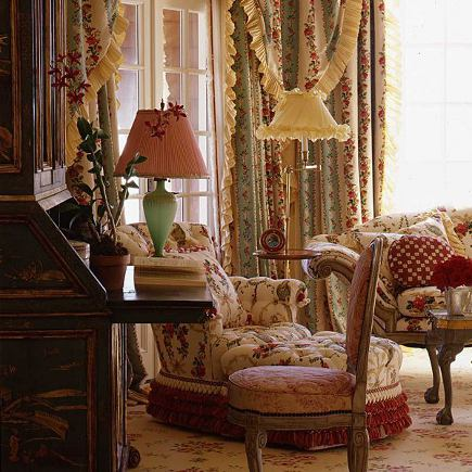 fussy rooms - layered chintz sitting room by Alberto Pinto via Atticmag