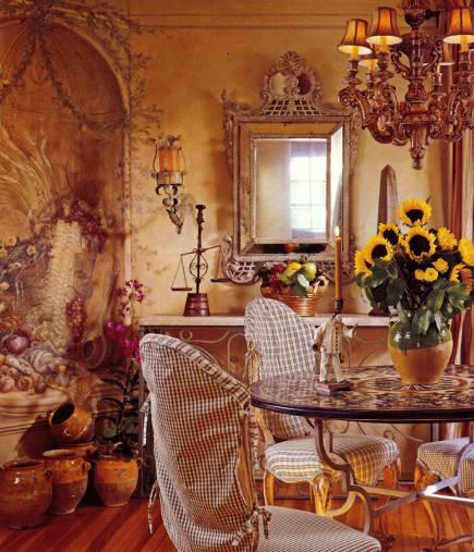 fussy rooms - Dining room by designer Diane Burn via Atticmag