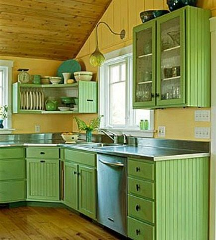 green kitchens - green painted beadboard kitchen cabinets with yellow walls - Vkontakte.ru via Atticmag