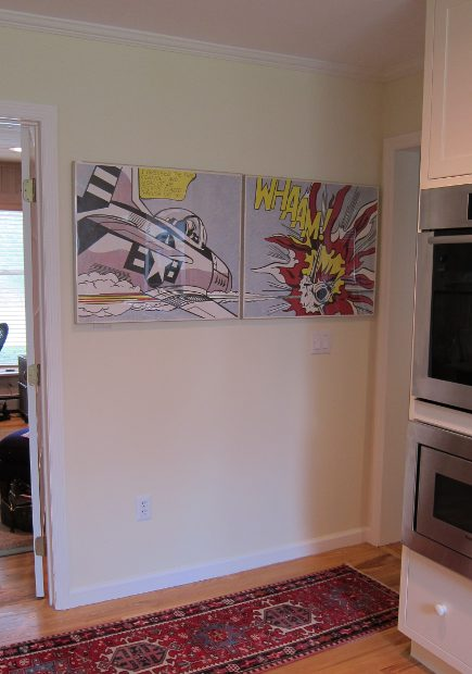 "kitchen picture wall with Roy Lichtenstein ""Whaam!"" diptych - Atticmag"