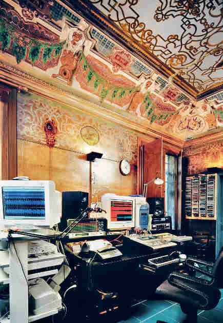 music studio in a Baroque palazzo with frescoes from Venetian Interiors - Rizzoli Books via Atticmag