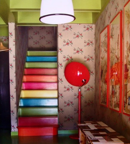 statement staircases - Muriel Brandolini's multicolor painted lacquer look staircase - World of Interiors via Atticmag
