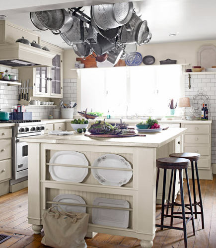 kitchen plate racks - plate rack built onto the end of an island - Country Living via Atticmag
