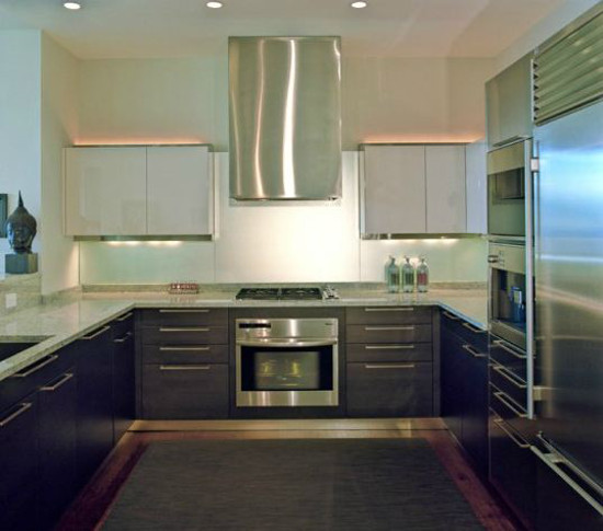 minimalist kitchen hoods - contemporary kitchen with ceiling mounted box range hood by Michael Richman - vai Atticmag