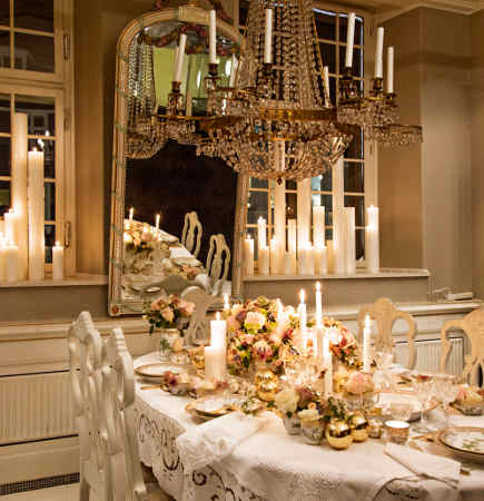 Royal Copenhagen Christmas tables - 2012 musical theme Christmas table with Flora Danica china - via Atticmag