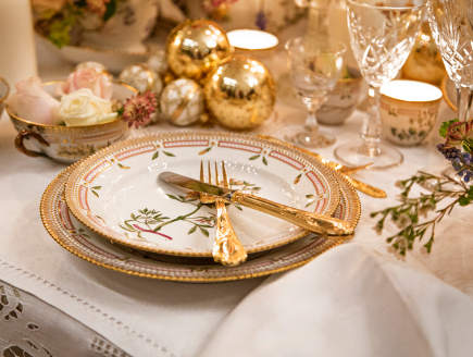 Royal Copenhagen Christmas tables - 2012 musical theme Christmas table - via Atticmag