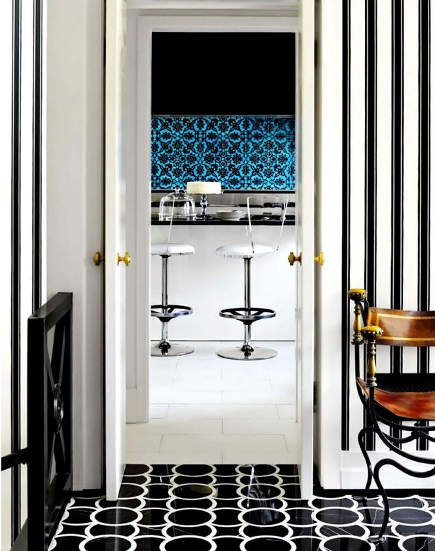 back and white pattern floor - Ann Sacks polished marble Mongomery 1 black and white tile floor - house beautiful via atticmag