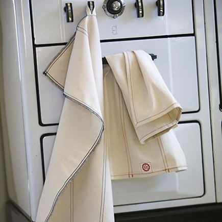 organic kitchen linen s- cotton kitchen towels by Raw Materials Design via Atticmag