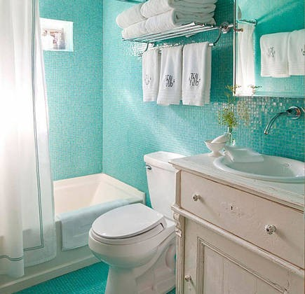 Tiffany blue bathroom - bathroom with turquoise blue glass mosaic floor, walls and ceiling - fslide via atticmagTiffany blue bathroom - bathroom with turquoise blue glass mosaic floor, walls and ceiling - fslide via atticmag