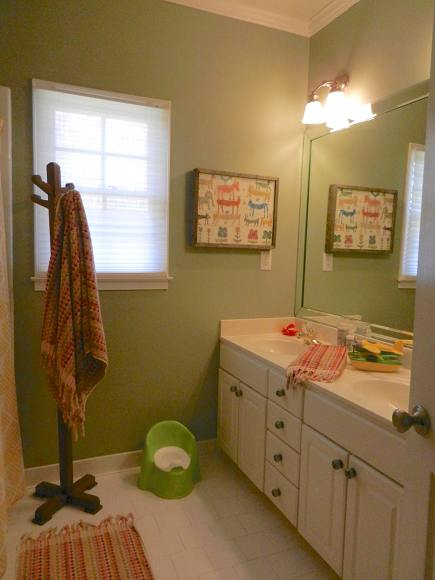 child's bathroom renovation - childrens bathroom remodel via Atticmag
