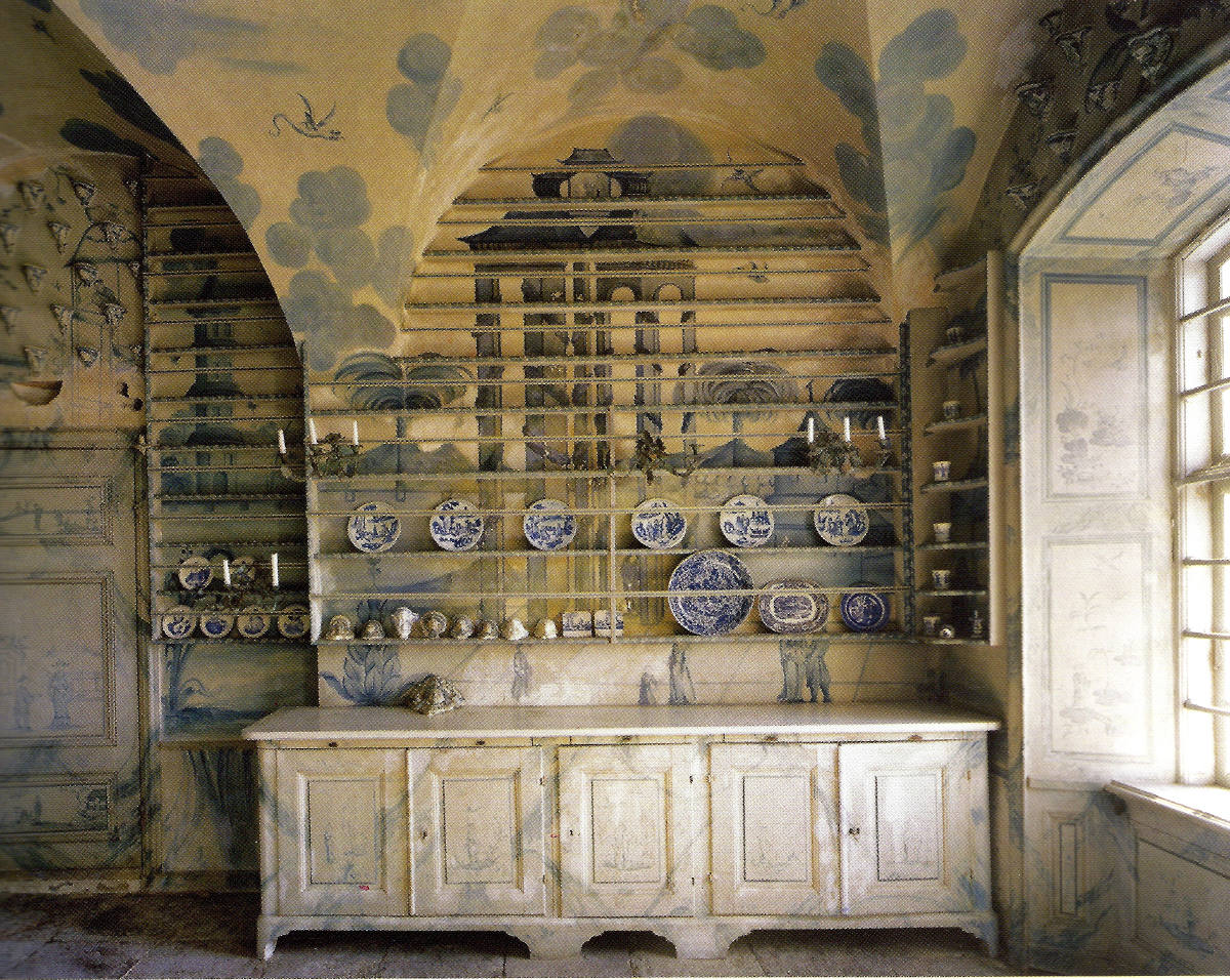 monumental plate rack - Porcelain kitchen at Thureholm Castle in Sweden - WOI via Atticmag