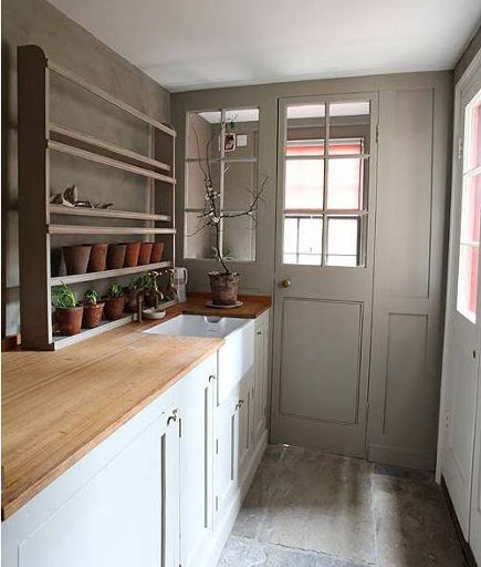 mudroom sinks - English mudroom with flower cutting sink - Remodelista via Atticmag