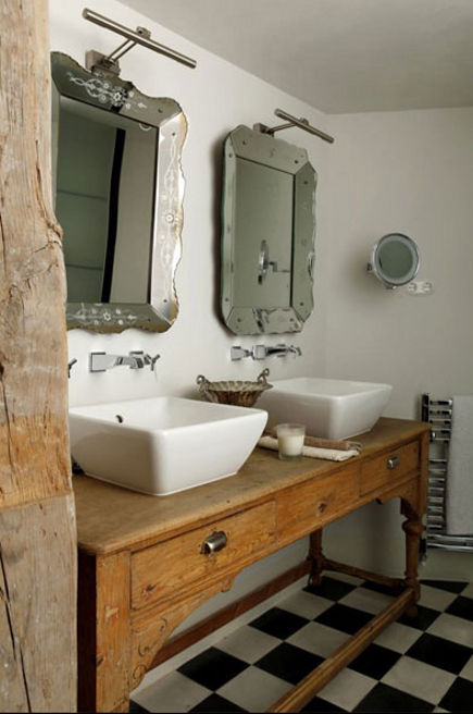 bathroom table vanities - country style console in rustic bath - Isabel Lopez-Quesada via Atticmag