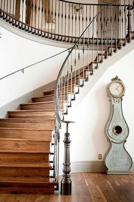 sculptural interior staircases - Swedish interior curved staircase - Alice Lane Home Collection via Atticmag