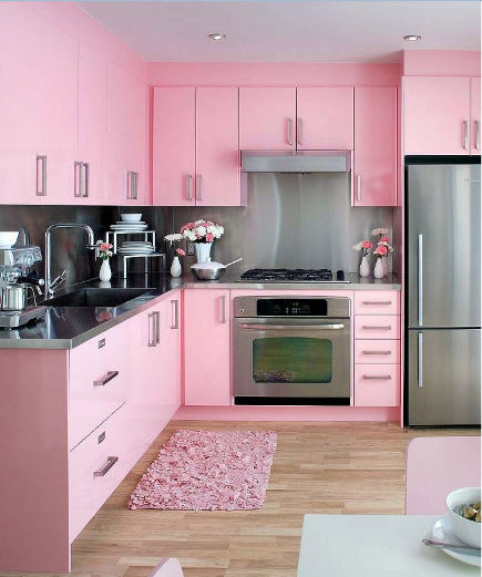 1950s kitchen colors - contemporary pink 50s vibe kitchen - colin&justin via Atticmag