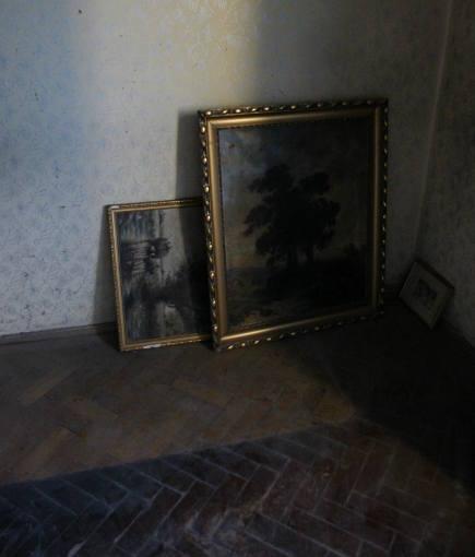 color block decor - before photo of White minimalist color block apartment in Budapest - Margeza via Atticmag