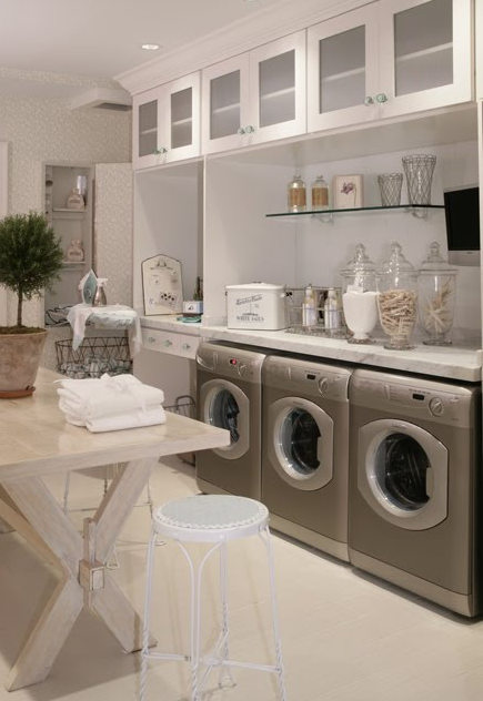 laundry room built ins - Hamptons Design show house - ideafans via atticmag